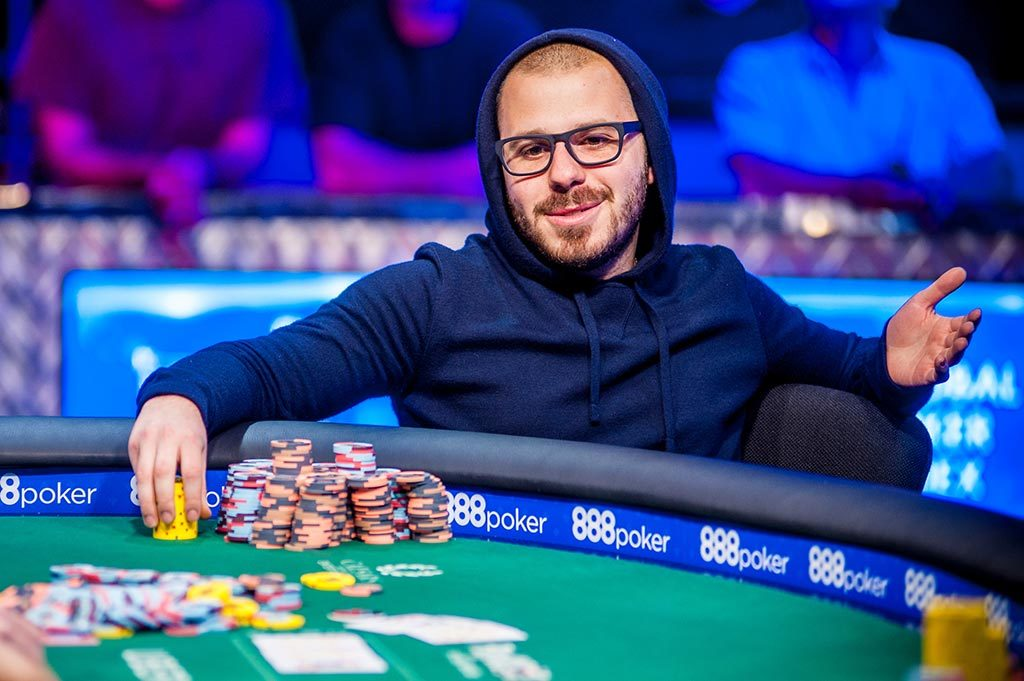Dan Smith Defeats Daniel Negreanu for $100k High Roller Title at Bellagio